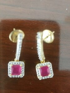 Used Zircon earings in Dubai, UAE