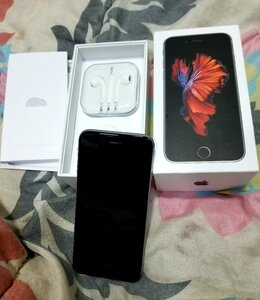 Used I.Phone 6S 64GB New Condition full Box in Dubai, UAE