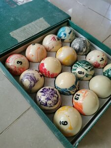 Used High Grade quality billiard balls in Dubai, UAE