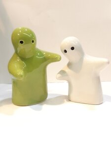 Used Warm Hugs 🥰 G&W Salt n Pepper Shakers😂 in Dubai, UAE