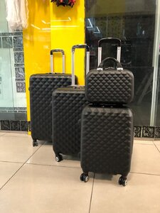 Used Traveling bag set in Dubai, UAE