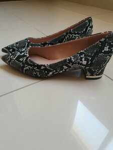 Used Snake print women's shoes 38-brand new in Dubai, UAE