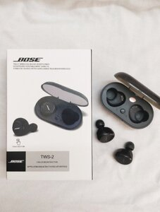 Used BOSE EARBUDS with changing casee in Dubai, UAE