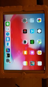 Used Ipad Air 64GB Model A1474 in Dubai, UAE