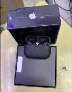 Used BLACK AIRPORD 3 APPLE 🍎🍎🍎💯 in Dubai, UAE