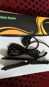 Used Proffesional hair straightener. in Dubai, UAE