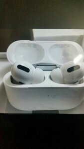 Used Airpod Pro Master copy white in Dubai, UAE