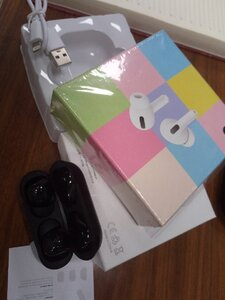 Used AirPods pro I phone OR Android mobi in Dubai, UAE