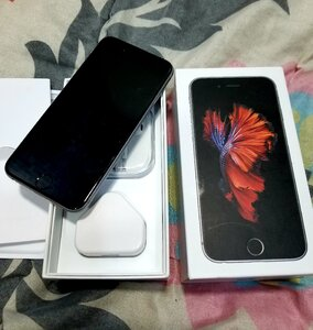 Used I.Phone 6S 64GB Space Gray with full box in Dubai, UAE