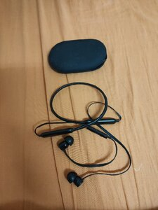 Used Beats x and skul candy wirless in Dubai, UAE
