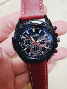 Used New men quartz watch in Dubai, UAE