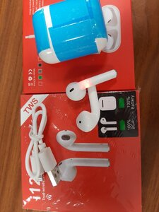 Used I 12 AirPods. in Dubai, UAE
