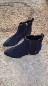 Used Original DKNY boots size 36 new in Dubai, UAE