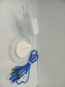 Used Bundel data cable+Adapter+charger in Dubai, UAE