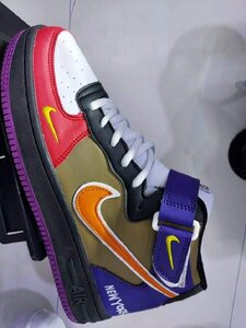 Used Nike,multicolored size 43 in Dubai, UAE