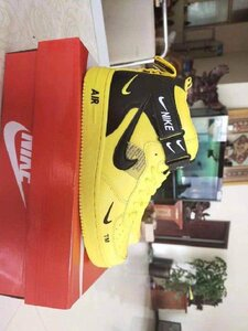 Used Nike shoe,yellow, size 44 in Dubai, UAE