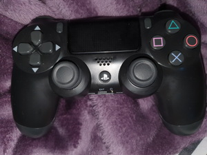 Used Ps4 controller original in Dubai, UAE