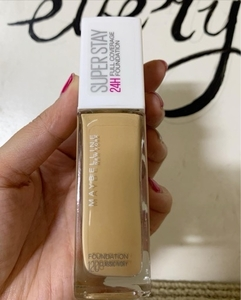 Used Maybeline foundation in Dubai, UAE