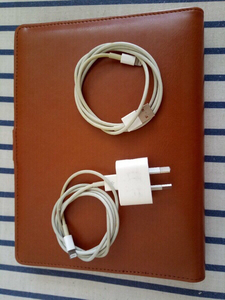 Used I phone charger orginal (used)look like in Dubai, UAE