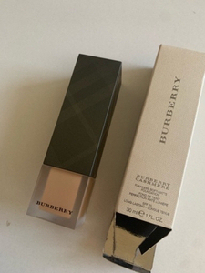 Used Burberry foundation 36 in Dubai, UAE