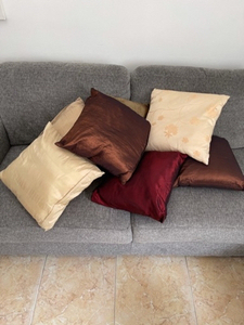 Used 7 pillows 40x40 cm  in Dubai, UAE