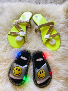 Used  Thong sandals & kids slippers LED light in Dubai, UAE