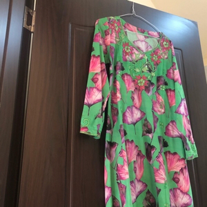 Used Two Arabic Dresses with crystals bundle in Dubai, UAE