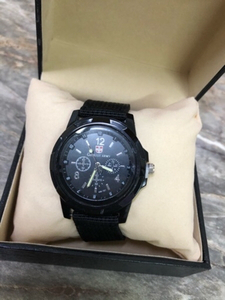 Used Swiss army 2pc watch brand new.. in Dubai, UAE