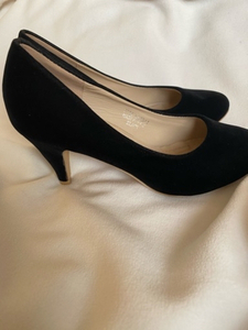 Used Velvet black heels  in Dubai, UAE