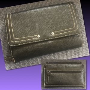 Used PURE LEATHER VINTAGE WALLET  in Dubai, UAE