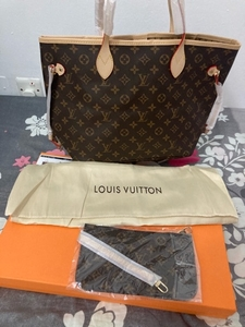 Used Louis Vuitton neverfull copy bag  in Dubai, UAE