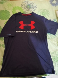 Used Under Armor navy blue T-shirt XL in Dubai, UAE