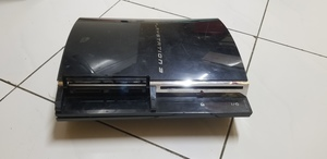 Used Ps4 playstation working fine without pad in Dubai, UAE