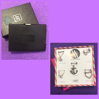 Used Necklaces & Card Holder in Dubai, UAE