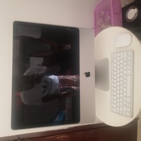 Used APPLE IMAC DESKTOP COMPUTER ALL IN 1 in Dubai, UAE
