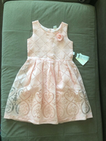 Used Dress for a girl 5-6 years old new in Dubai, UAE