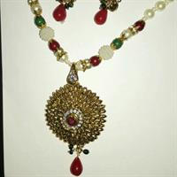 Used Copper Necklace Set With Pearl  #5 Year Colour Guaranty in Dubai, UAE