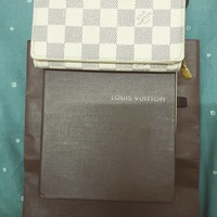 Used Lv azur wallet in Dubai, UAE