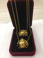 Used 2opening and closing necklace Elimi30374 in Dubai, UAE
