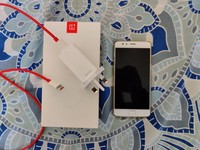 Used Oneplus 3 soft gold mint condition in Dubai, UAE