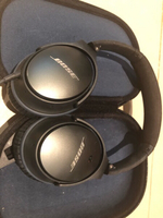 Used Bose noise cancelling headphones & case in Dubai, UAE