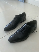 Used Mens shoes , 2 pairs for 150 aed for 2 in Dubai, UAE