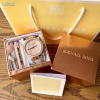 Used Micheal kors watch set in Dubai, UAE