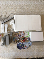 Used All inclusive Wii console kit + 10 CDs in Dubai, UAE