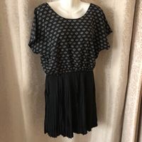 Used Chic dress size EU 40 / UK 12 in Dubai, UAE