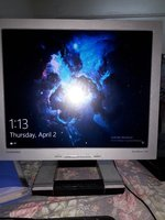 Used SAMSUNG MONITOR WITH speakers in Dubai, UAE