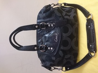 Used COACH 2WAY SIGNATURE CANVAS BAG BLACK in Dubai, UAE
