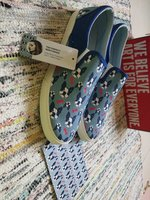 NEW authentic Bucketfeet. Size 40.5