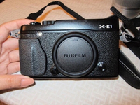 Used FUJIFILM X-E1 Body + 16-50mm Kit Lens in Dubai, UAE