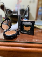 Used Powder foundation & purple shadow stick in Dubai, UAE